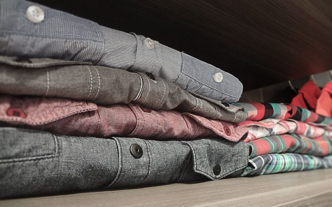 6 Easy Tips to Organize Your Closet
